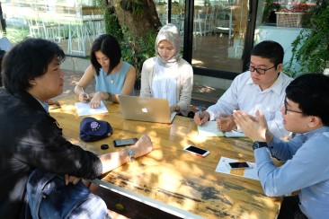 Meeting with Director of Chiang Mai University Art Center